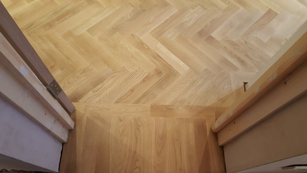 Parquet Herringbone Fitting Sanding Gap Filling